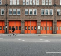 Choisir une porte d'entrée sécurisée pour votre bâtiment