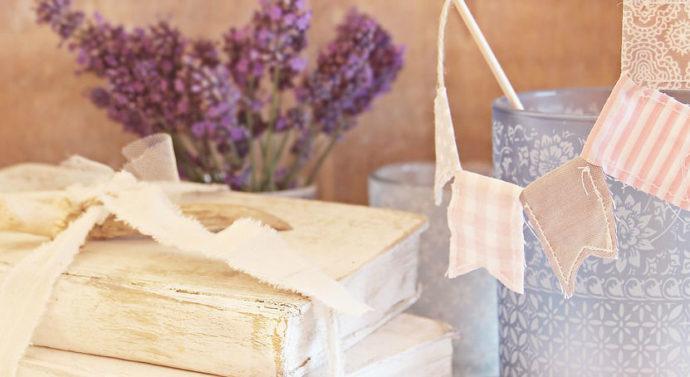 Guirlandes et fanions : comment les utiliser dans un mariage ?
